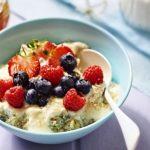 Quinoa kasa s ovocim a medom