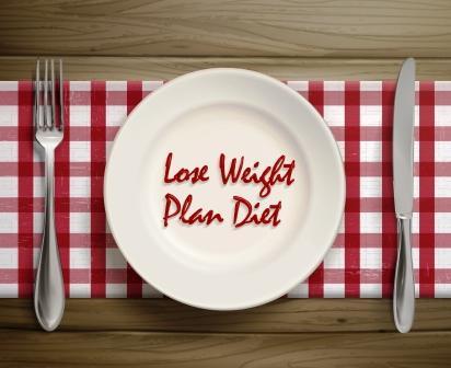 chudnutie a večera - prázdny tanier s príborom