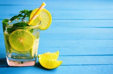 chudnutie voda citronom