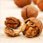 Vlašské orechy a chudnutie – hodia sa k sebe?