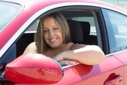 vozenie sa v aute býva príčina nadváhy